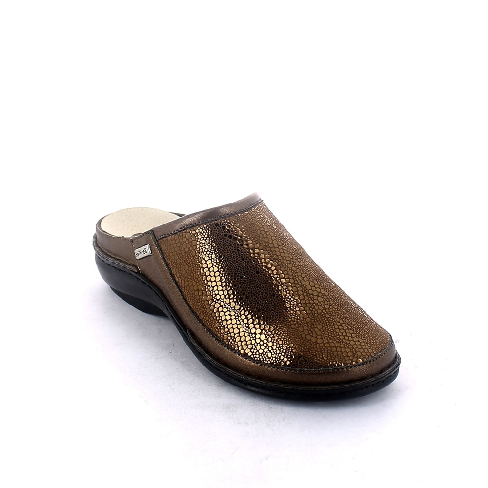 Summer slipper for women with removable insole