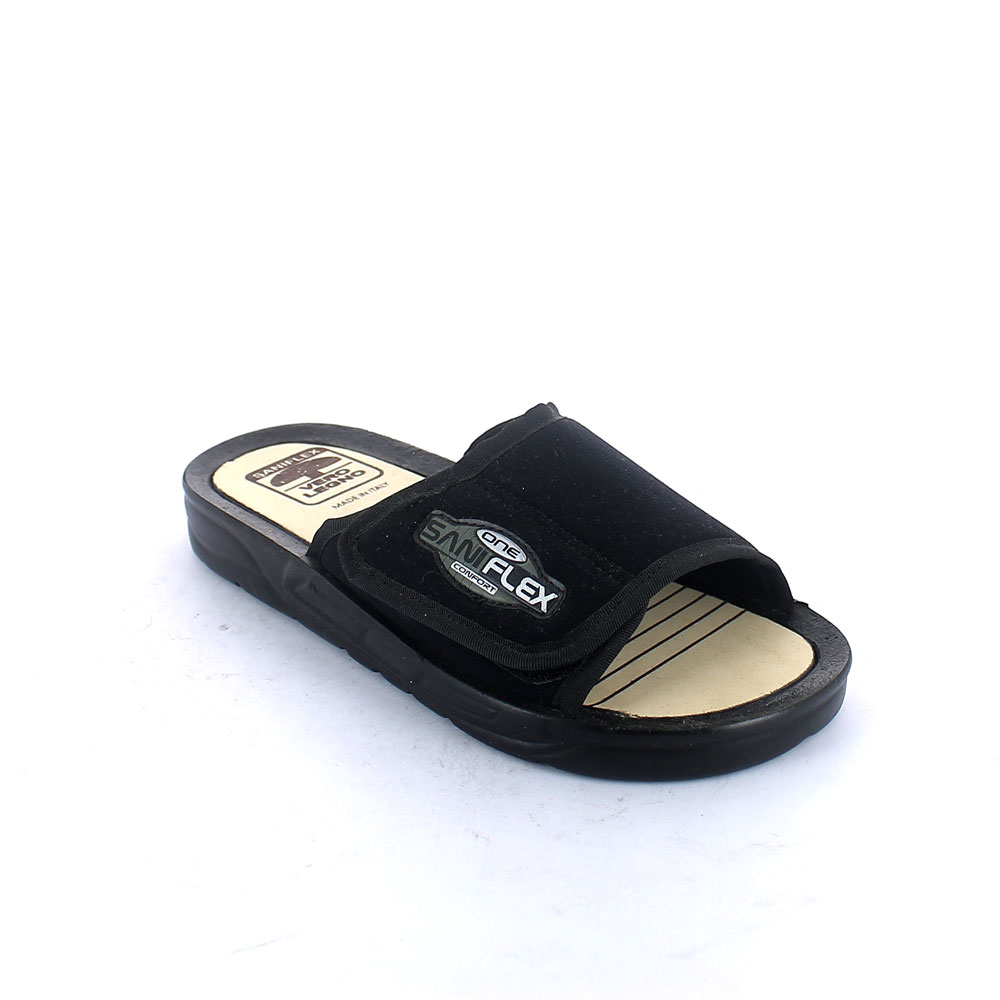 Slippers with wood insole