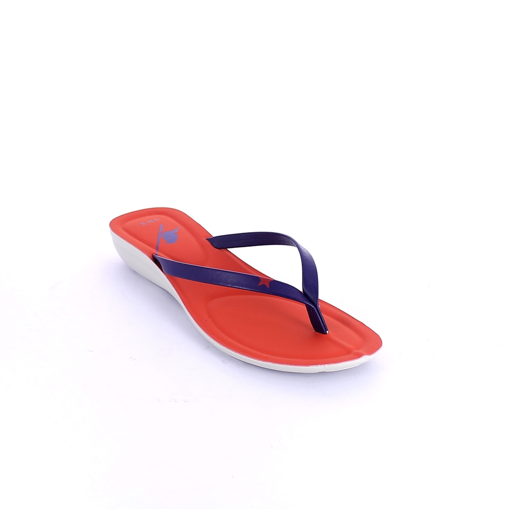 Thong mule for women with injected polyurethane sole