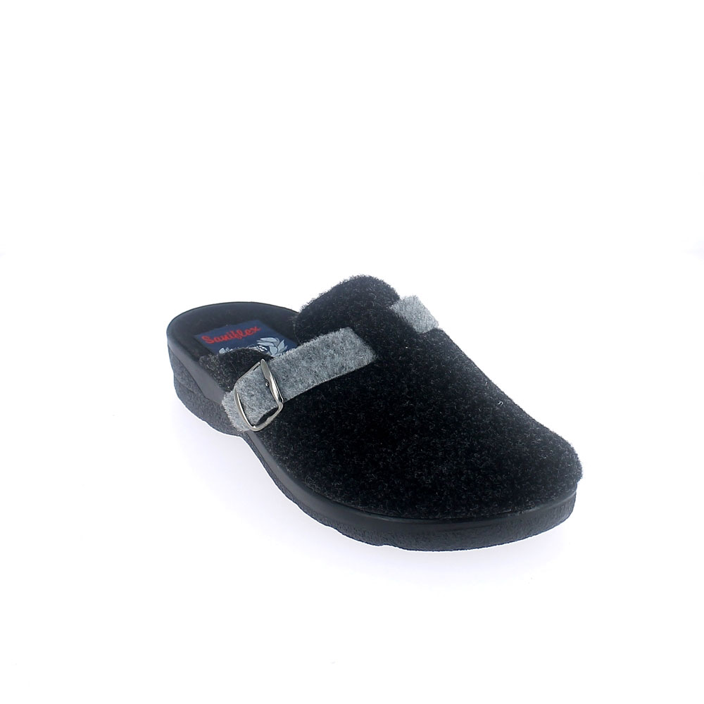 Winter slipper for men with injected outsole. Made in Italy