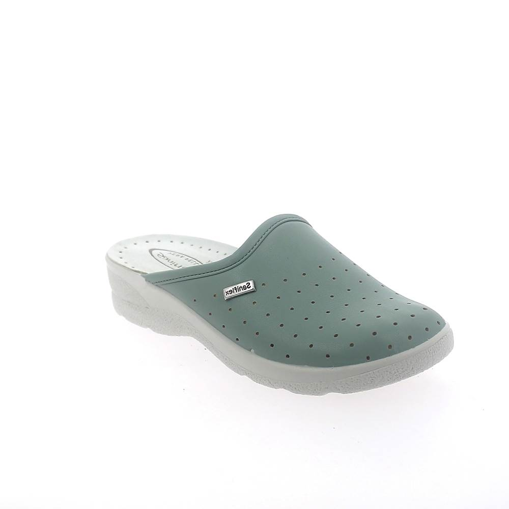 Closed toe medical slipper for woman with stretch upper.