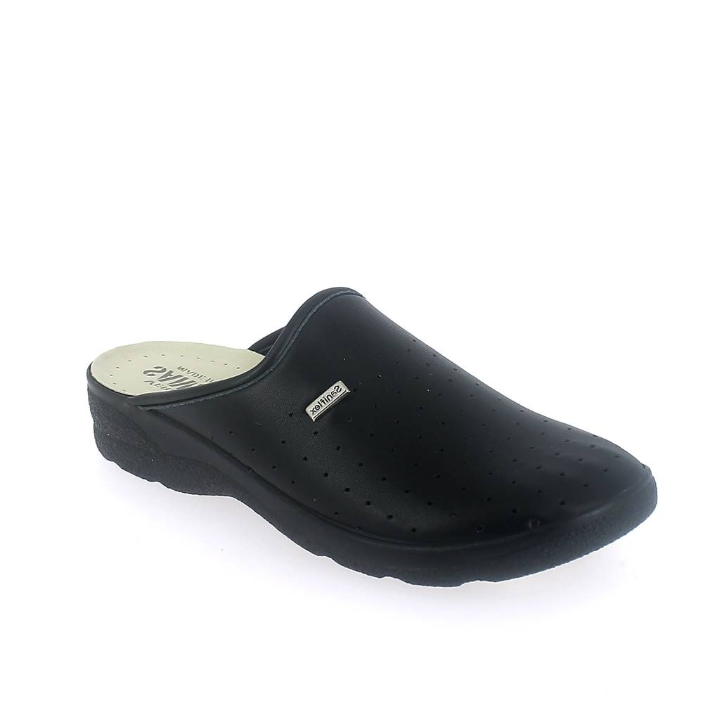 Closed toe medical slipper for man with stretch upper.